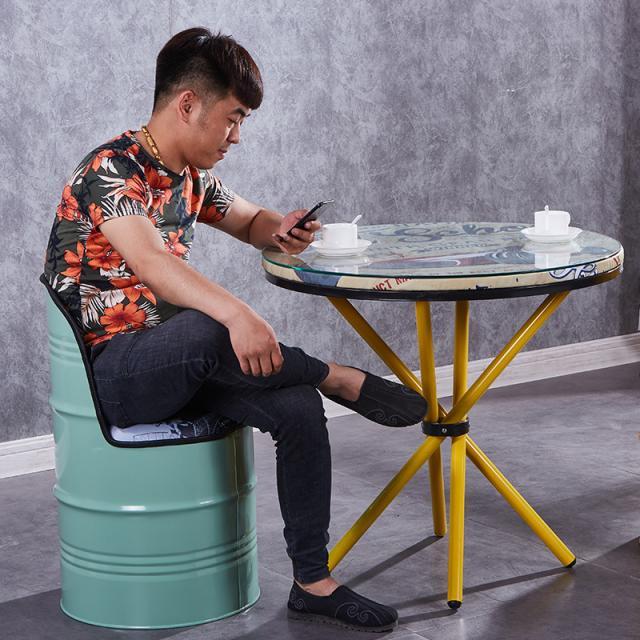 复古铁桶椅子酒吧工业风油漆桶油桶铁皮凳子洽谈桌椅组合创意个性